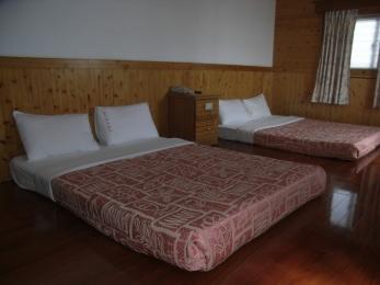 日式套房4人房 1